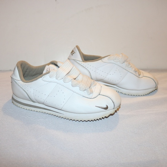 buy online c8ae9 07dac Nike Cortez White and Grey Sporty Women's Sneakers